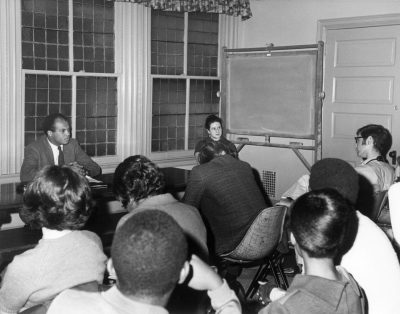 John Wideman speaking to Penn students, 1968
