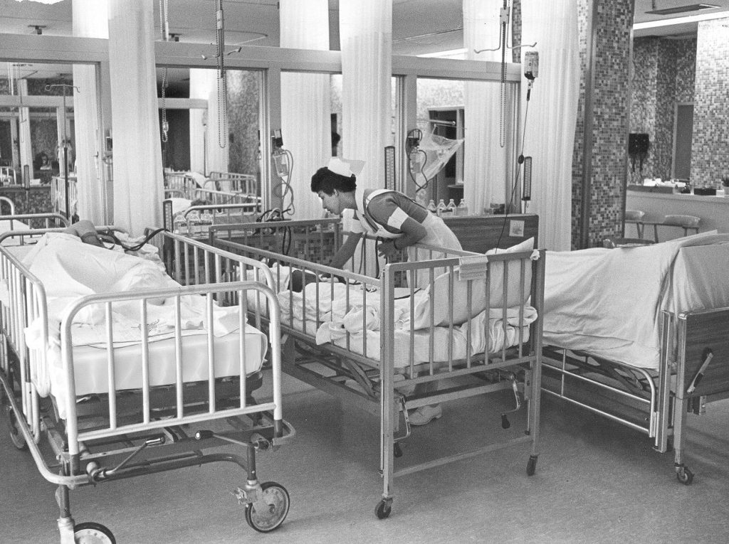 Hospital of the University of Pennsylvania, I.S. Ravdin Institute, surgical nursing, c. 1965