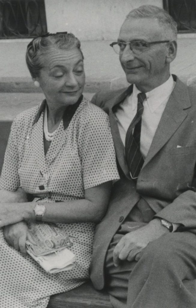 Louis and Josefa Flexner, 1958