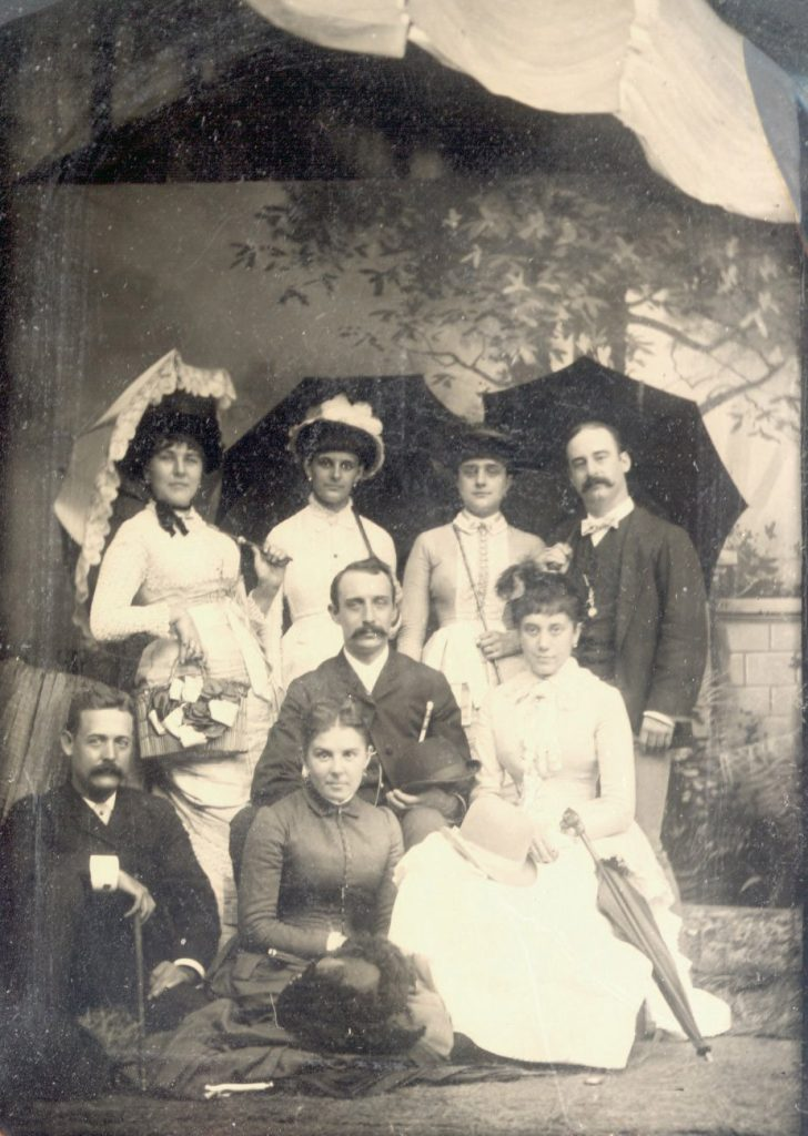 Alfred Fitler Moore with family, 1883