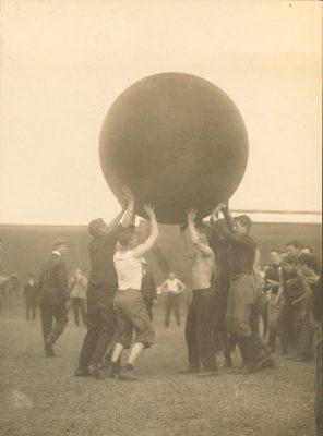 Push Ball Fight, Photo 1, 1908