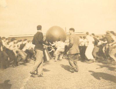 Push Ball Fight, Photo 2, 1908