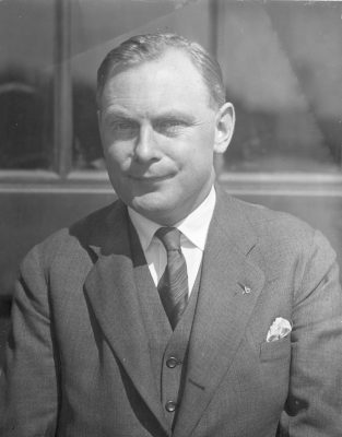 Russell Callow, 1927
