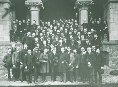 Medical Class of 1889, 1889