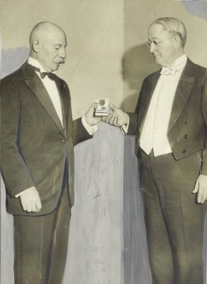 Provost Josiah H. Penniman receives the Medaille Verdun from General Emilie Adolphe Taufflieb, 1932