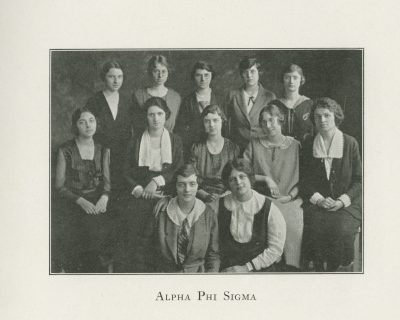 Alpha Phi Sigma, sorority, group photograph, 1922