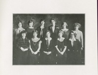 Beta Phi, sorority, group photograph, 1924