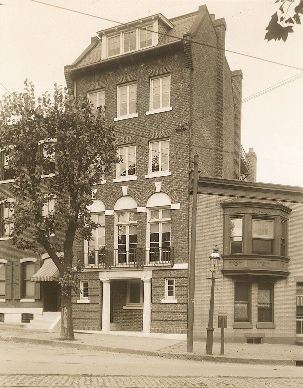 Beta Theta Pi, Phi chapter fraternity house, 1911