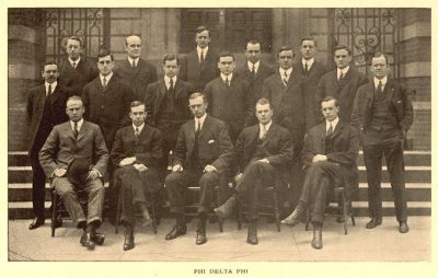 Phi Delta Phi fraternity members on the steps of the Law School, 1907