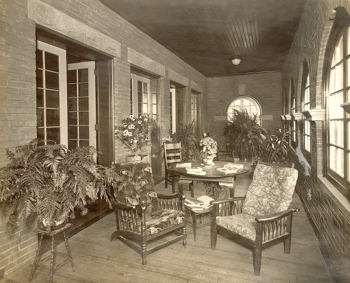 Phi Kappa Psi, Iota Chapter fraternity house, interior, loggia, 1905