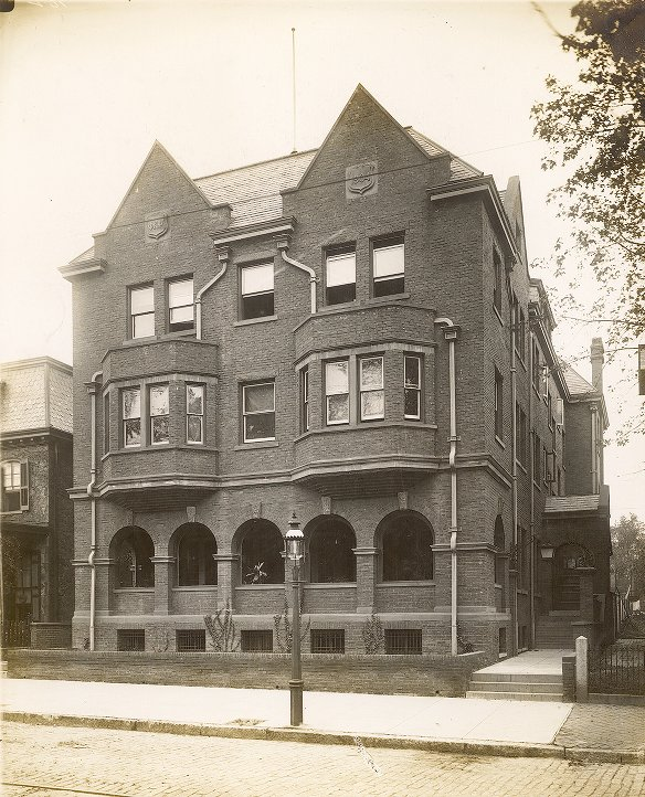 Phi Kappa Psi, Iota Chapter fraternity house, exterior, 1905