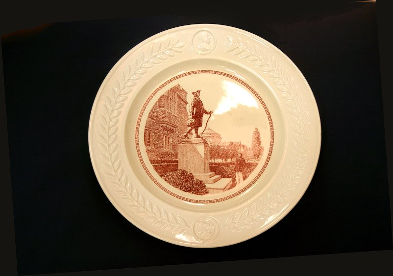 Wedgwood china, plate depicting Young Franklin Statue, 1940