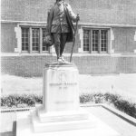 Statue of Young Benjamin Franklin by R. Tait McKenzie, 1914