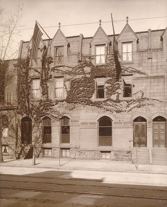Zeta Psi, Sigma chapter, early fraternity house, 1905