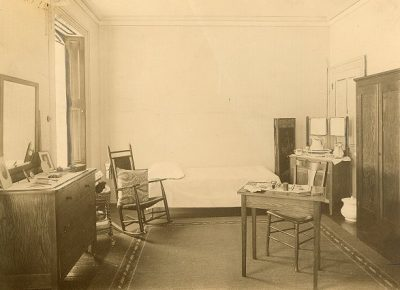 Old Sergeant Hall, interior, bedroom, 1912