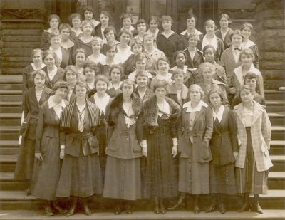 School of Education, Class of 1920, on the steps of Furness's University Library, 1918