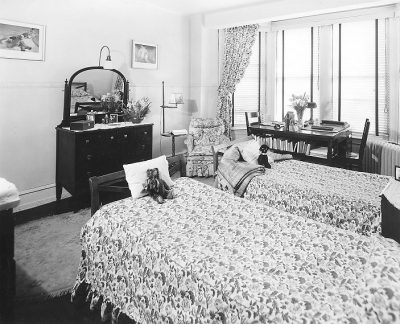 Sergeant Hall, interior, bedroom, 1950