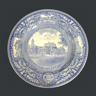 Wedgwood dinner plate, College Hall, 1929