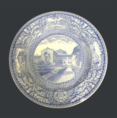 Wedgwood dinner plate, University Museum, 1929