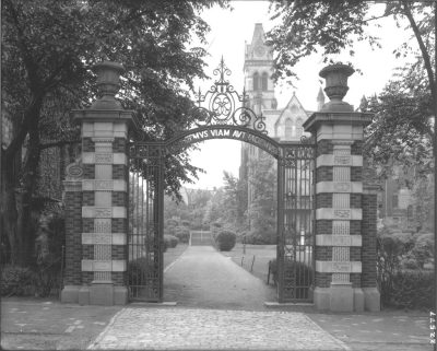 Class of 1893 Memorial Gateway, 1903