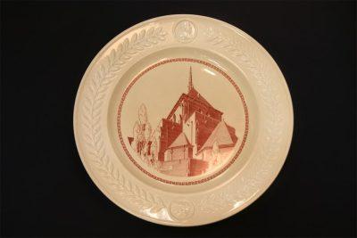 Wedgwood china, plate depicting spire of Irvine Auditorium, 1940